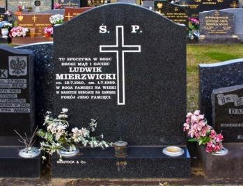 Lawn Headstone 6